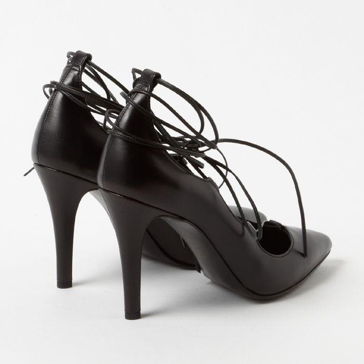 言の葉の庭 靴 ダイアナ