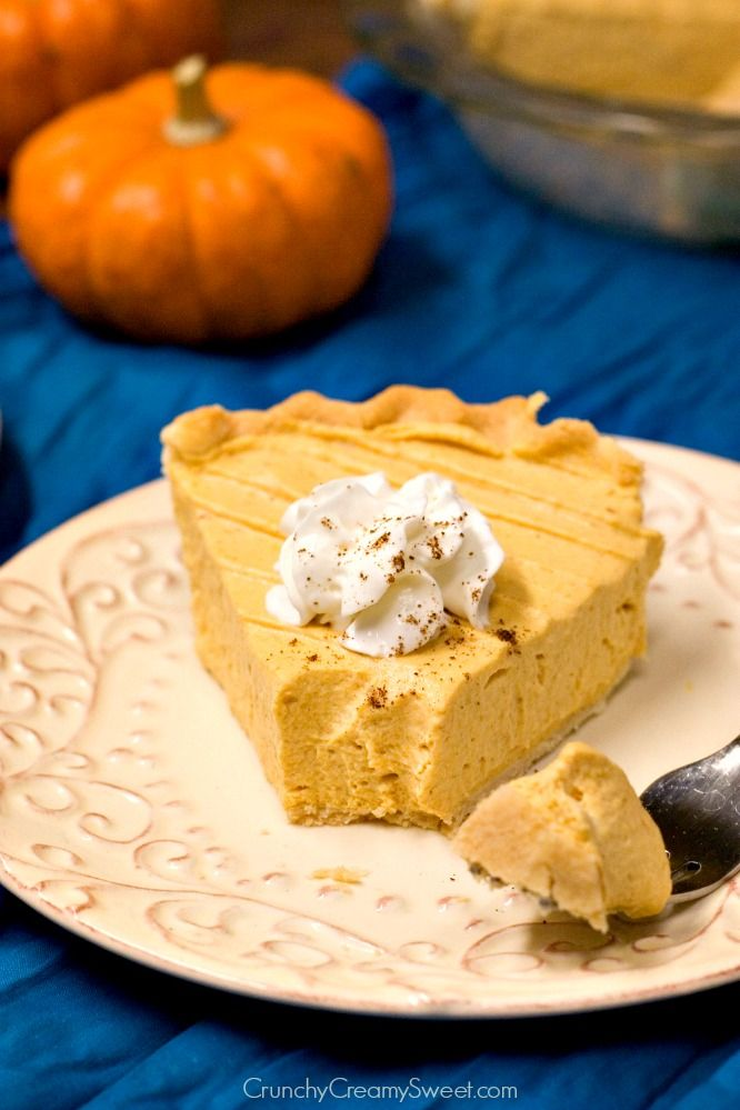 Pumpkin Mousse Pie no bake pie that everyone will love Pumpkin Mousse ...
