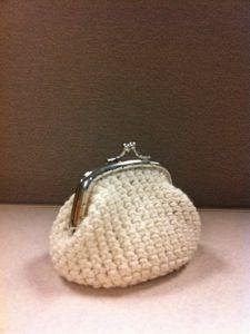 How To Make Crochet Purse : Crocheted Coin Purse. How to make it. Crochet for me Pinterest