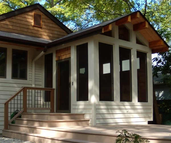 Screen porch for craftsmen style house perfectly for Craftsman style screened porch