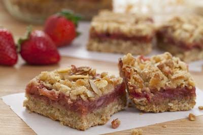 Strawberry Rhubarb Almond Bars | Sweet Pastry | Pinterest