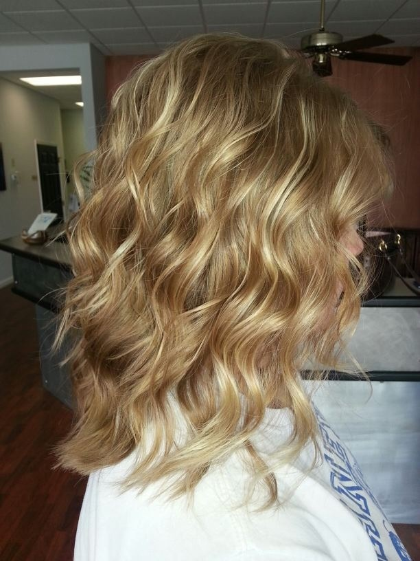 best hairstyle for fat face : Beach waves hairstyles Pinterest