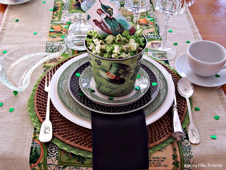 Olla-Podrida: table setting