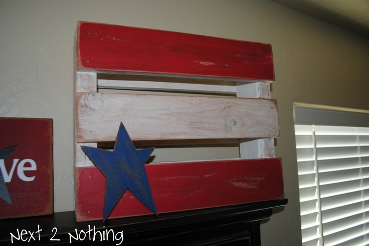 Next 2 Nothing Crafts: My 4th of July Shelf