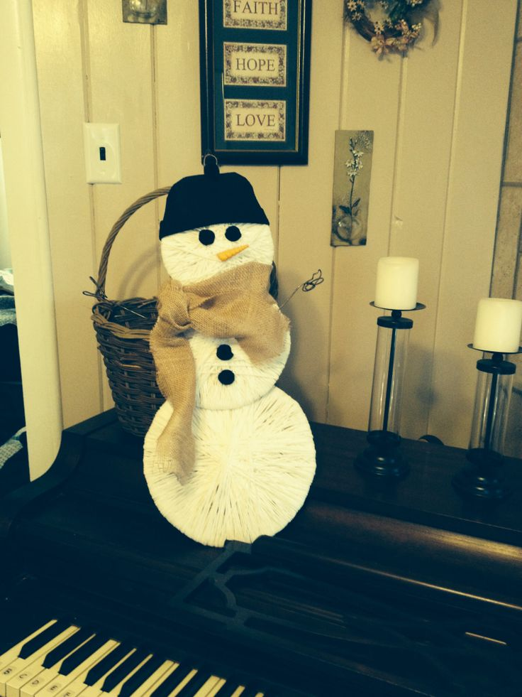 Yarn snowman door decor | Craft Ideas | Pinterest