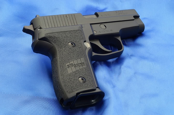 Sig Sauer P228 9mm 15rd | Gun Stuff | Pinterest