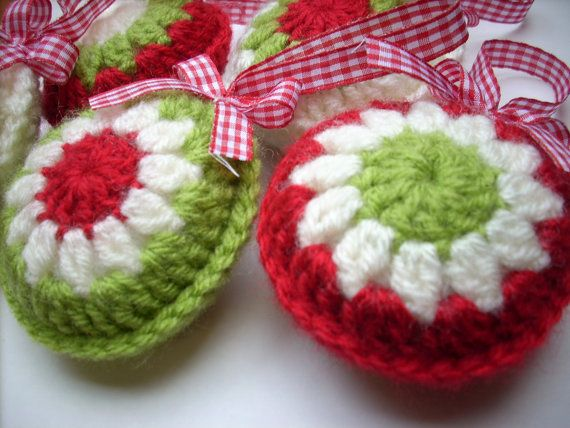 Crochet Xmas Ornaments : ... www.etsy.com/listing/116695327/crocheted-christmas-ornaments-set-of-5