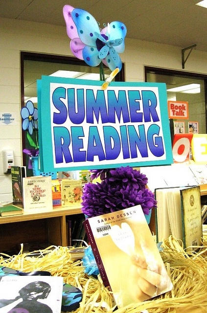 Start Your Summer Reading Early by Enokson, via Flickr