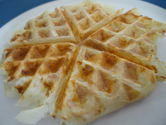 Potato Waffles - Genius!!! All you need is potatoes. From Vegans eat ...