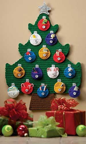 Crochet advent calendar. Patron en Ravelry ❥Teresa Restegui http://www.pinterest.com/teretegui/❥