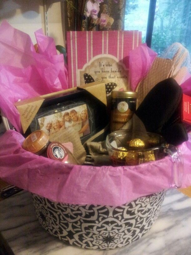 Pinterest Wedding Shower Gift Basket Ideas : Amies bridal shower gift basket. Gift ideas Pinterest