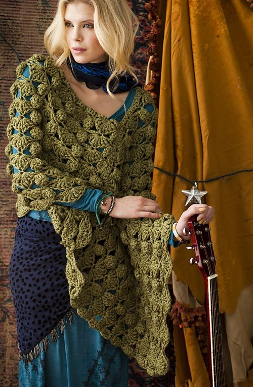Vogue Knitting Cape Pattern : #40 Bulky Poncho pattern by Candi Jensen
