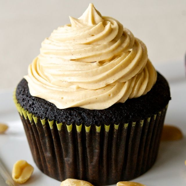 Gluten Free chocolate cupcakes with peanut butter frosting. I have to ...
