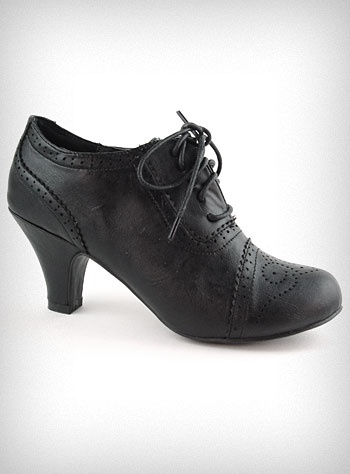 Coal Mill Lace-Up Oxford Heels $38 #shoes #heels #oxfords #Plasticland #black #casual