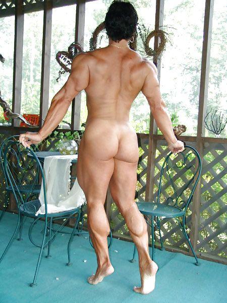 Annie reveiccio outdoor nude