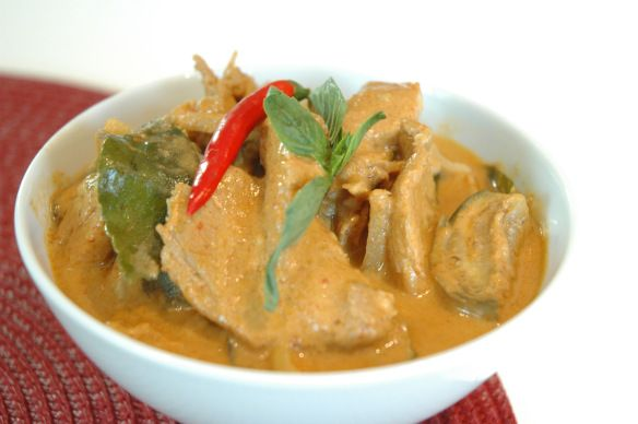 Red curry with chicken and Thai eggplant | All Things Paleo | Pintere ...