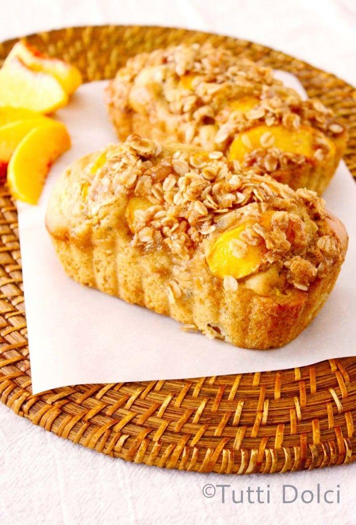 Peach Streusel Bread @Laura | Tutti Dolci