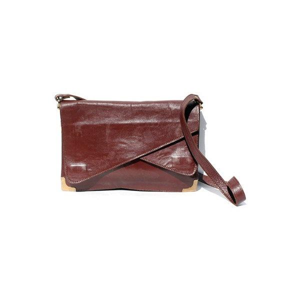 burgundy vintage leather shoulderbag by zoavintage on Etsy, $35.00