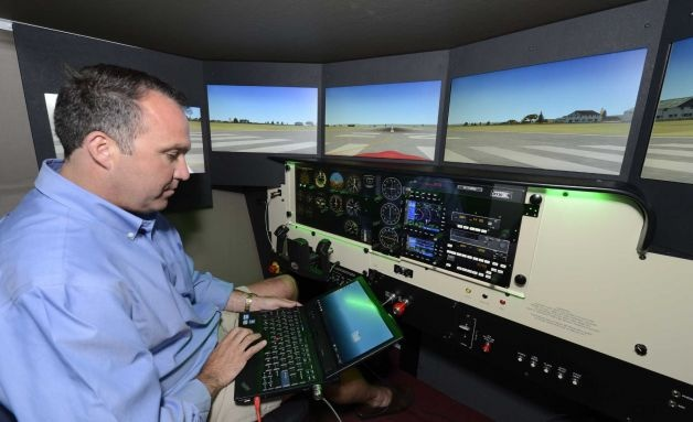 Air Traffic Controller college subjects first year