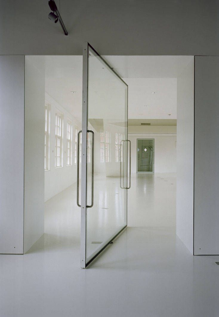 Glass pivot door modern living pinterest Pivot entrance doors