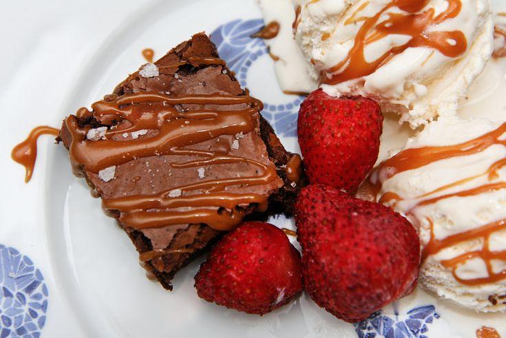 Brownies með saltri karamellusósu | Food & Drink | Pinterest