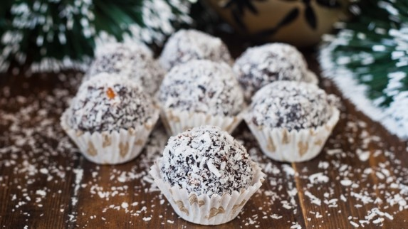 Chocolate Rumballs; Trying it with Kahlua