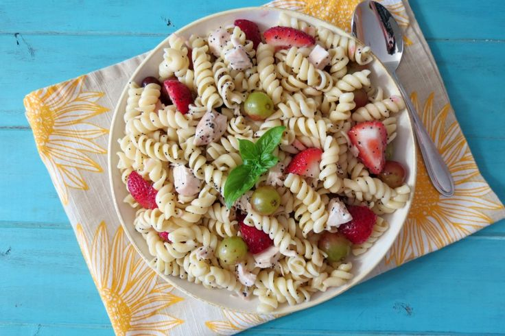 Strawberries and Chicken Pasta Salad - Chilled noodles. fresh ...