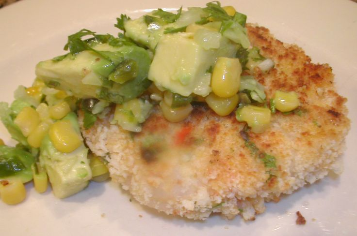 shrimp cakes with avocado corn salsa | the wicked noodle