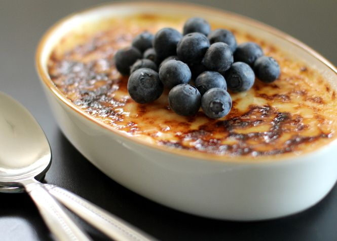 Lavender Creme Brulee with Blueberries | Food | Pinterest
