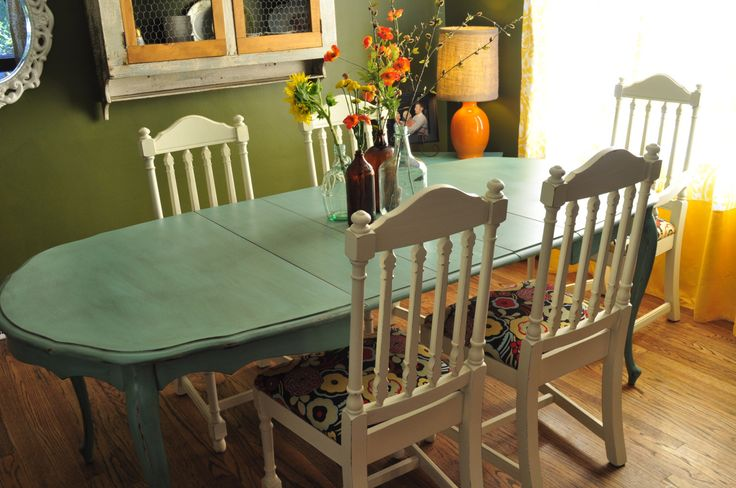 Sample ideas for custom painted dining room table and chairs for Painting dining room table ideas