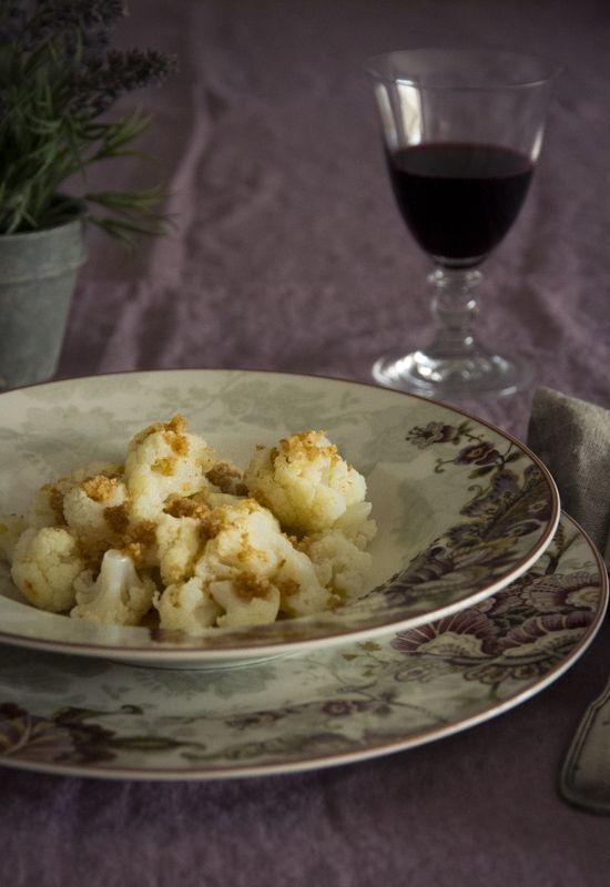 Receta 342: Coliflor cocida, con salsa de mantequilla tostada y pan rallado » 1080 Fotos de cocina