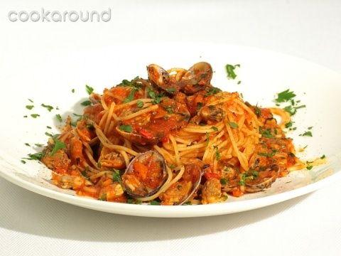 Spaghetti alle vongole in rosso | Sugo di pesce | Pinterest