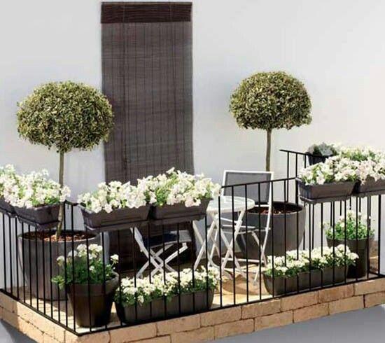 arredo balcone idee outdoor : ... Balcone fiorito arredo giardino. Come arredare un balcone al meglio