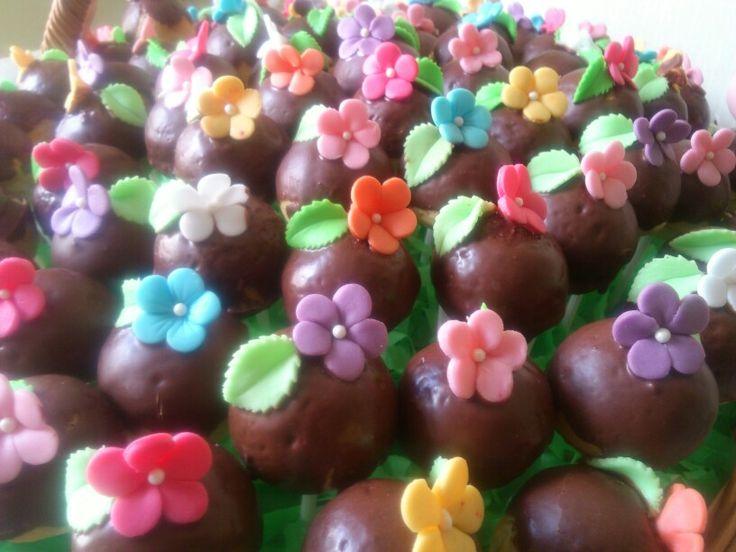 ... canasta para ti... | Cake pops, royal icing, foundant.... | Pinte