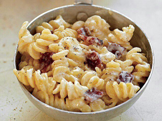 Macaroni With Farmhouse Cheddar And Bacon Recipes — Dishmaps
