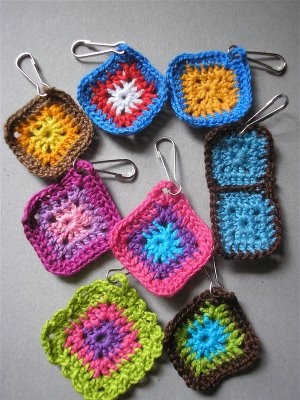 crochet zipper pulls crochet Pinterest