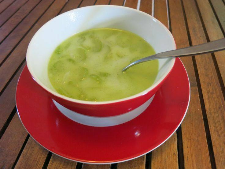 The Active Scrawler: Allergy free chunky or creamy celery soup recipe.