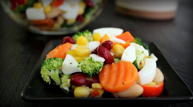 super simple egg white amp veggie salad poor girl eats well