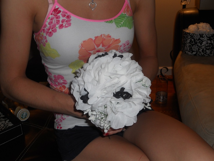 My handmae black and white bridesmaid bouquets..What iv'e got so far, they're still a work in progress..