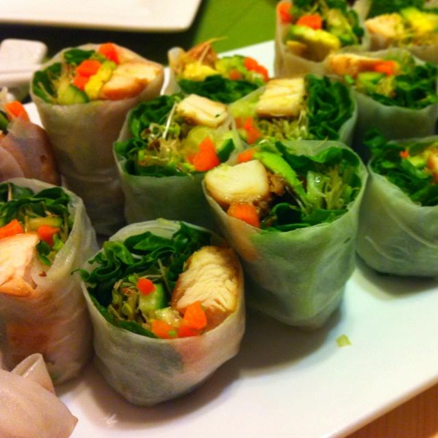 Vietnamese garlic chicken spring rolls..yummy in my tummy