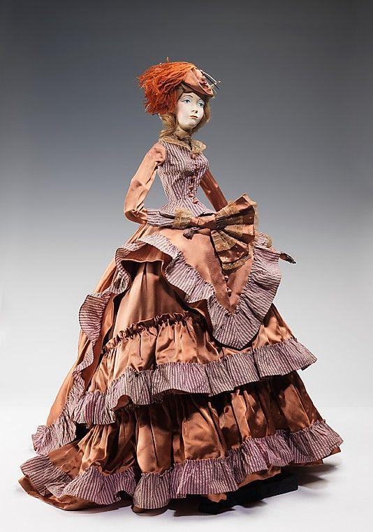 1873 Кукла Мадлен Vramant (металлические, штукатурка, волос, шелк, перья), 1949.  ММА