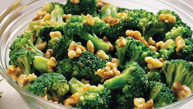 Green Giant Select® frozen broccoli florets coated with garlic butter ...