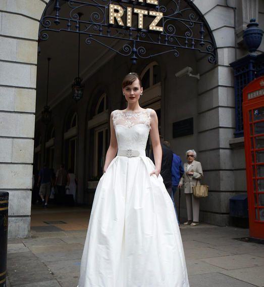 Kelly  Nuit Blanche Paris - Robes de mariée sur mesure