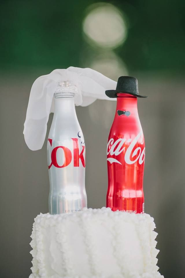 coca cola theme wedding wedding cake coca cola pinterest