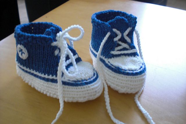 Knitting Pattern For Baby Tennis Shoes : Free Pattern: Baby Converse Baby: booties Pinterest