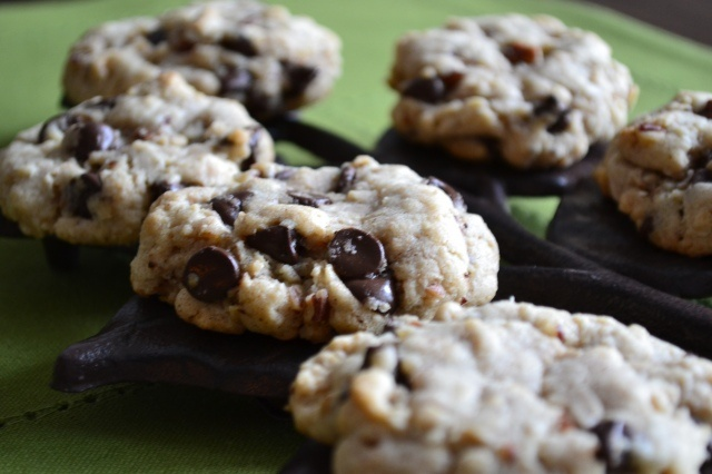 Oatmeal Pecan Chocolate Chip Cookies | Yummi~ness | Pinterest