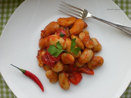 """Greek Hot & Spicy Baked Giant Beans or """"Fasolia Gigantes sto Fourno ..."""