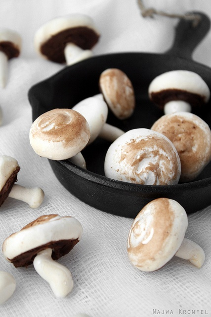 Mushroom Meringues | my love for photography | Pinterest