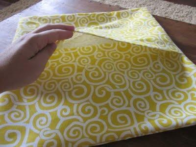 Envelope closure pillow tutorial