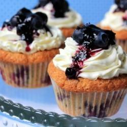 Blueberry & Hazelnut Cupcakes | Sweet! | Pinterest